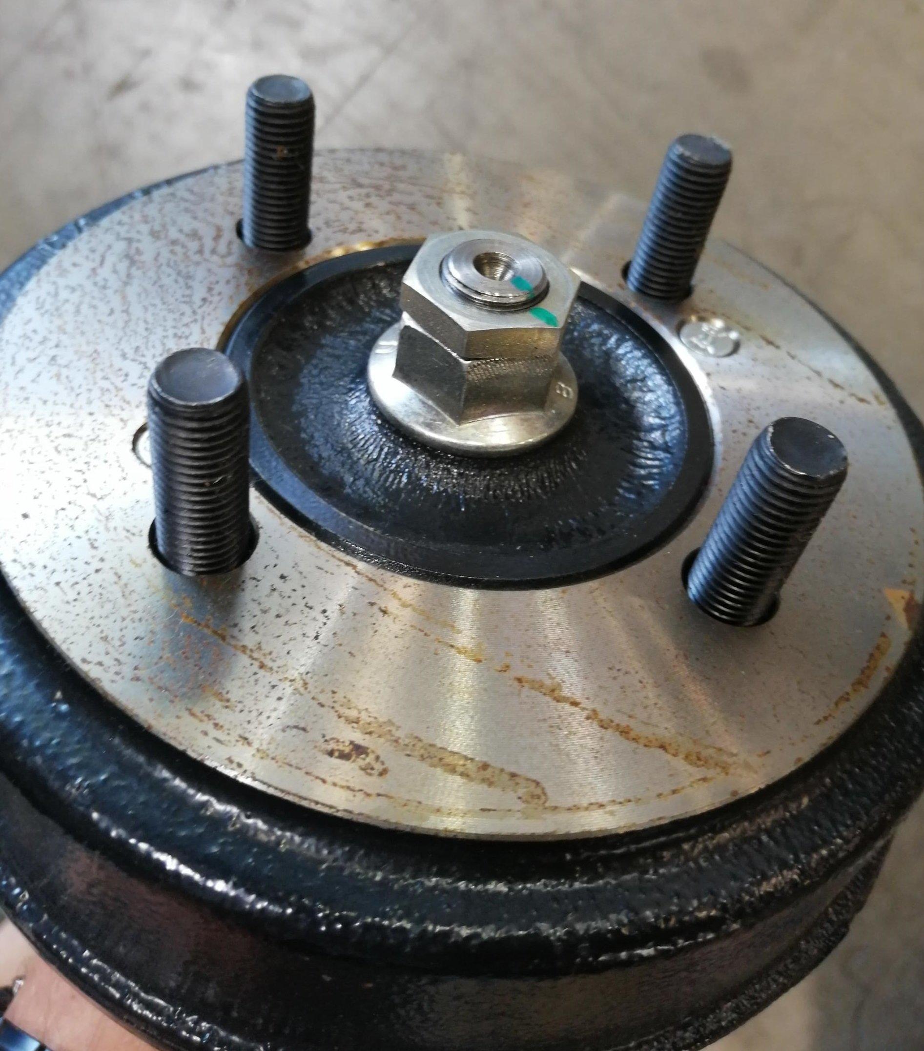 rear-hub-nut2